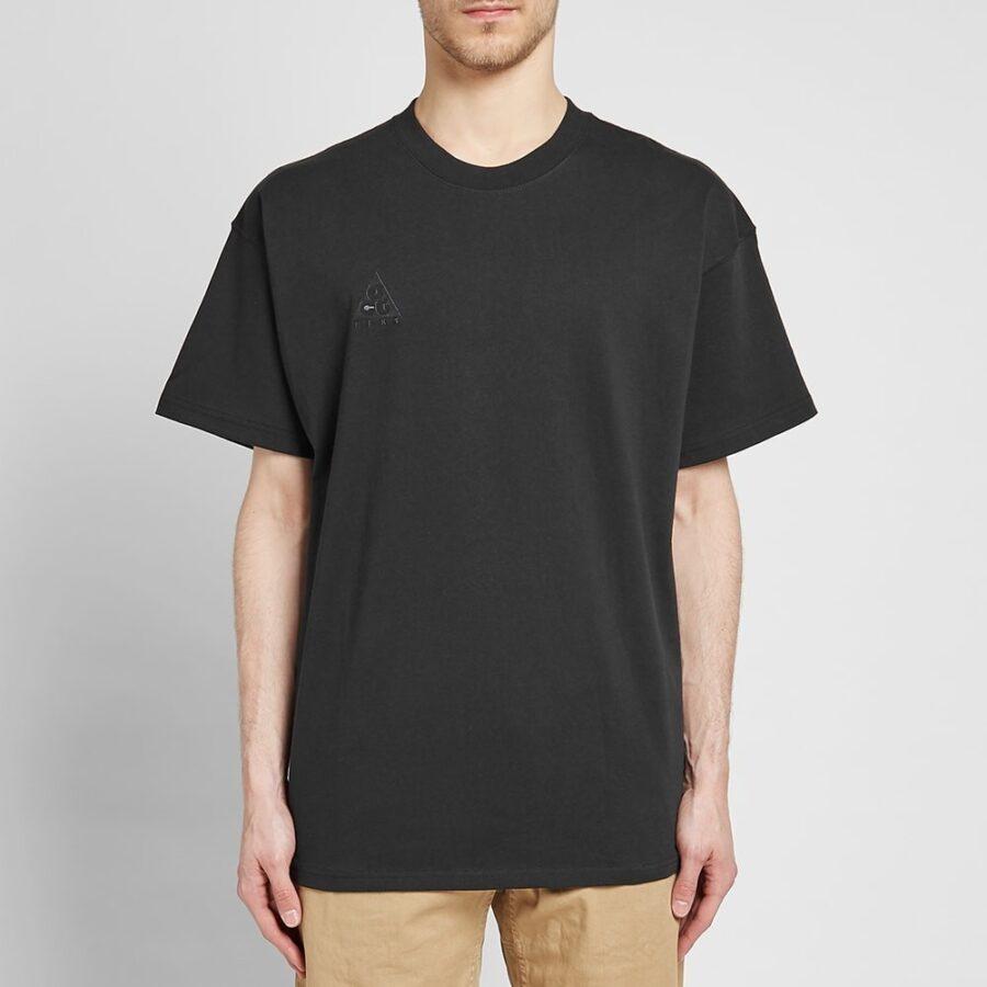 Nike ACG Logo T-Shrt in Black